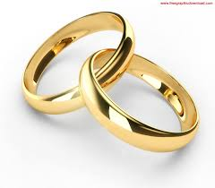 MAN GAVE OUT RINGS TO TWO WOMEN ON HIS WEDDING DAY