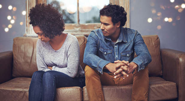 3-reasons-why-your-spouse-is-distant-from-you