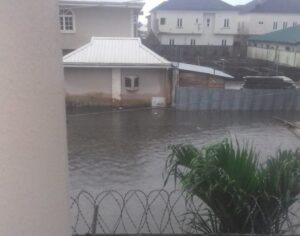 Lady, Presenter Rescues Baby from Lekki Flood