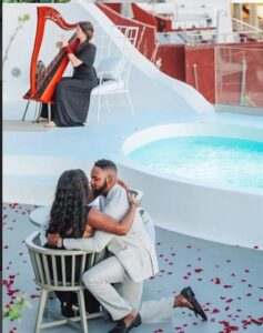 Man proposes to lover in a Romantic way