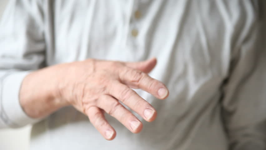 7 situations that cause tremor in the hands and body