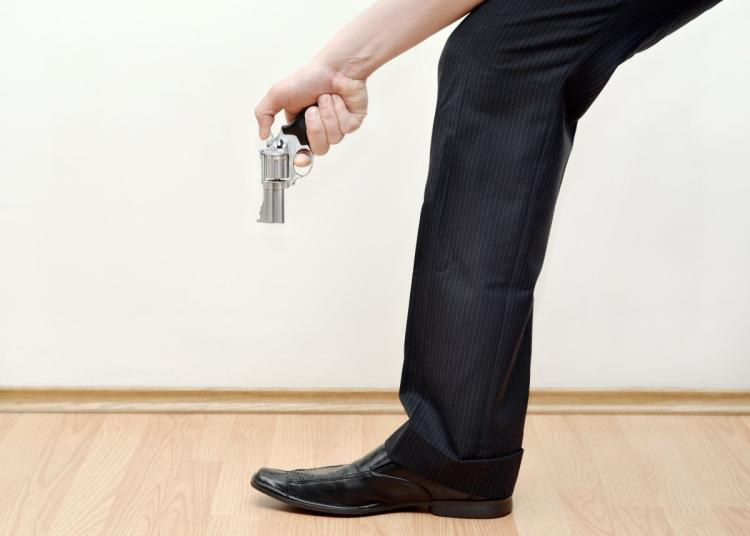Hilarious: Autocratic Father shot himself on the leg while correcting his Wife -dailyfamily.ng