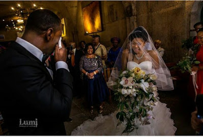 Groom and Bride cry at wedding ceremony.dailyfamily.ng