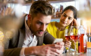 4-signs-that-your-partner-is-out-of-the-relationship-dailyfamily.ng