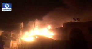 Fire Brings Down Twin Duplex in Lagos.dailyfamily.ng