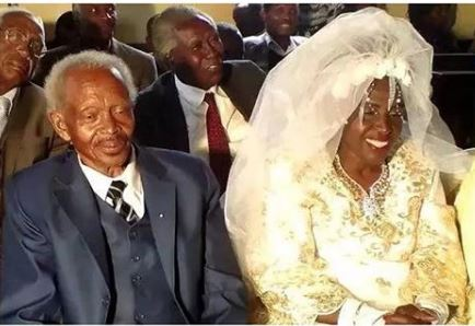60-Year-Old Woman Got Married For The First Time To A 78-Year-Old Widower.dailyfamily.ng